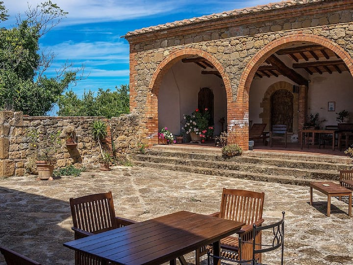 """Pure Relax and stunning view! Room """"La Cantinetta"""""""