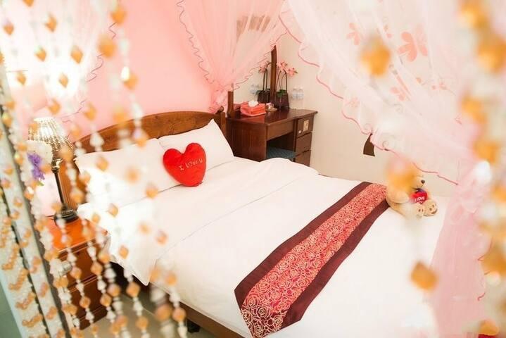 粉紅色系非常浪漫的甜心公主房