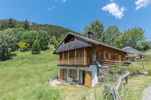 Alpine Cottage Serpillo with Unique Mountain View & Private Garden; Parking Available, Pets Allowed at Extra Fee