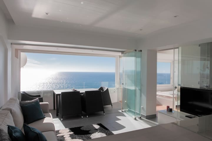 Atlantic Ocean View Suite Sesimbra - Sesimbra - Apartment