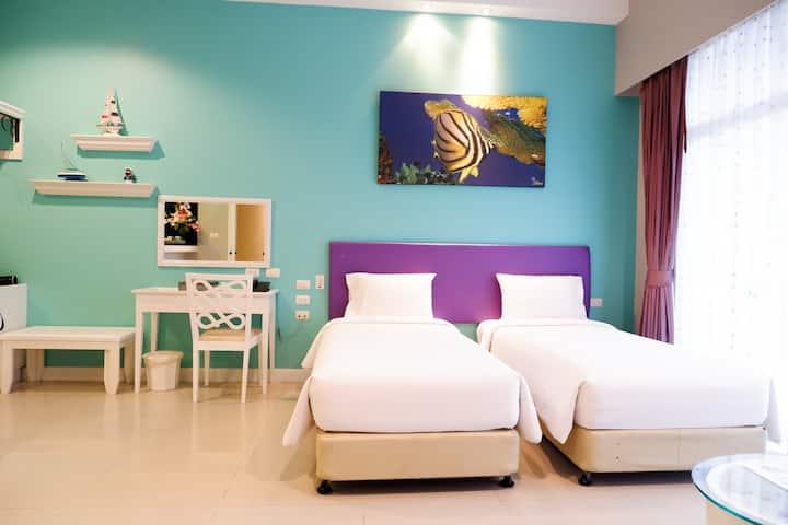 Friendly Boutique & Comfort room