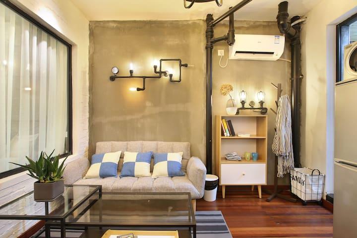 【Soyi】上海iapm环贸对面美式套房拥有私人阳台
