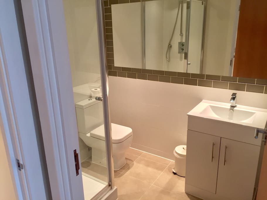 Ensuite bathroom for double bedroom.