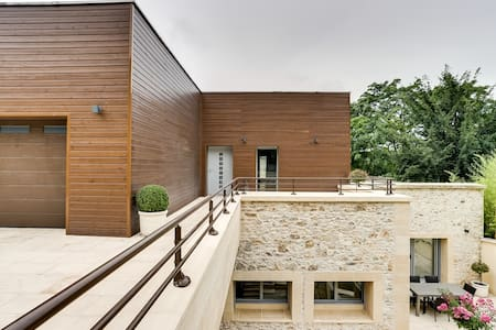 Exceptional architect´s house on the banks of the - Triel-sur-Seine - House