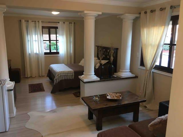 hermosa y cómoda suite con jacuzzi y desayuno
