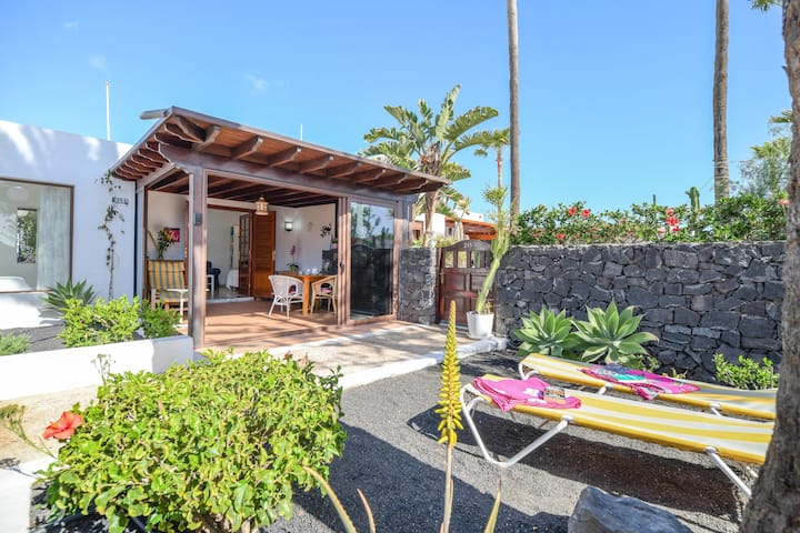 "Holiday Home ""Bungalow Playa Bastián"" with Wi-Fi, Garden, Terrace & Pool"