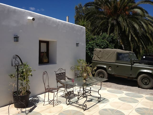 Ibiza Campo Escape - The Den by Mr & Mrs White - Sant Joan de Labritja - Ev