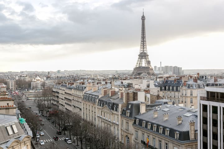 George V Penthouse with a 360° view of Paris