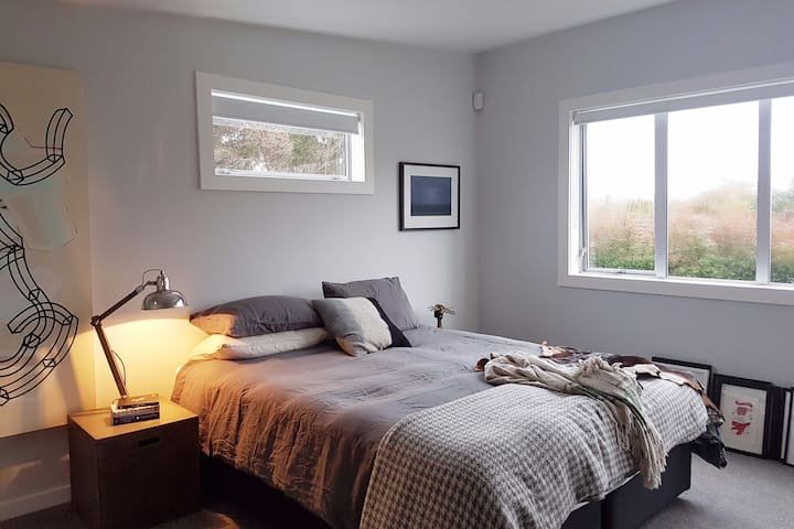 Spacious & light modern family home - Auckland - Casa