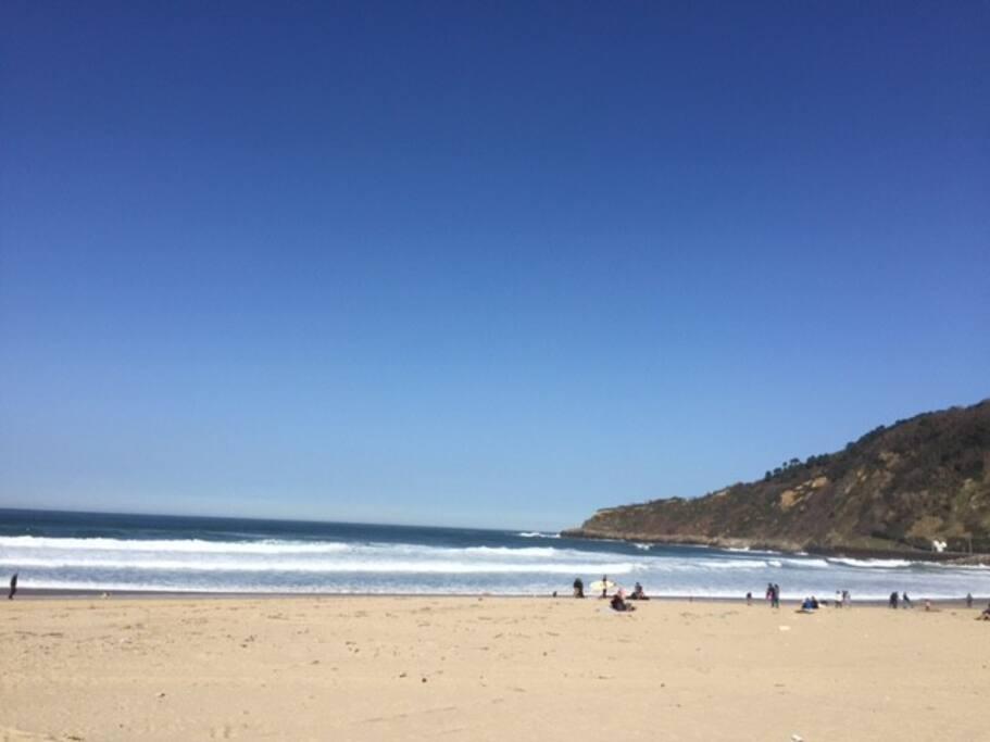 Literalmente a 1 minuto de la playa