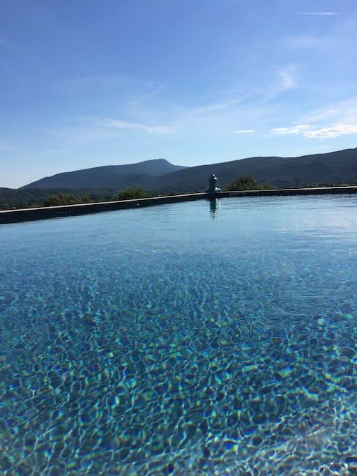 piscine avec très belle vue
