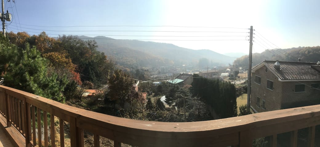 Mountain view family home 35mins drive from Seoul! - Hagui-dong, Uiwang-si