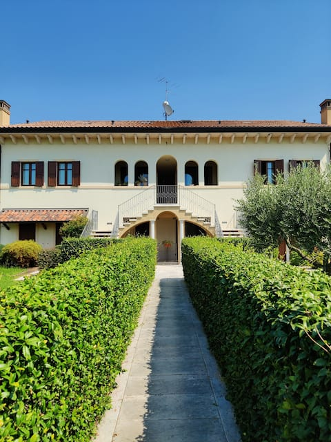 Luminoso appartamento tra il Garda, Verona e terme