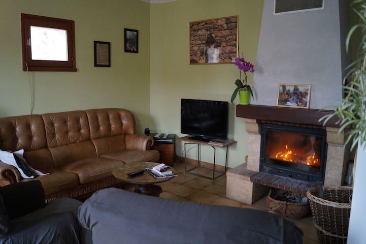 Appartement indépendant sur 2 niveaux - Bessan - Apartament