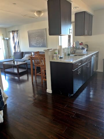 GORGEOUS 2BR APARTMENT IN CENTER OF WHITE PLAINS