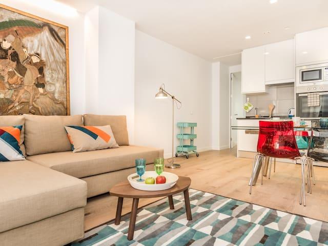 PLAZA ESPAÑA III **Luxury Apartment**