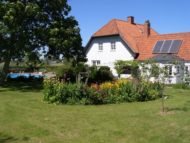 """Marielyst"" Bed and breakfast - Næstved - Bed & Breakfast"