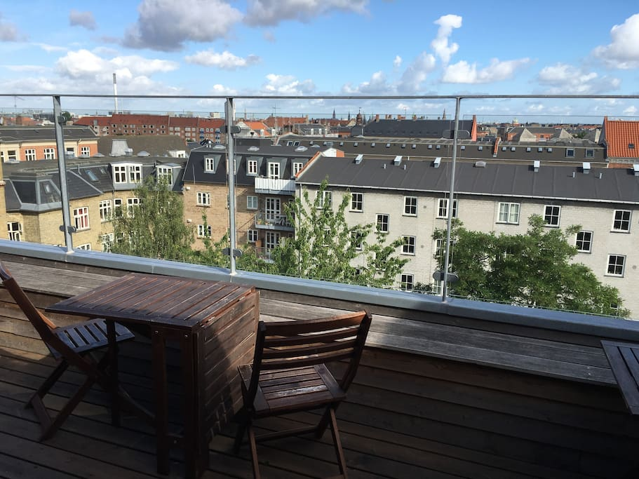 Top apartment w roof terrace close to city center for The terrace top date