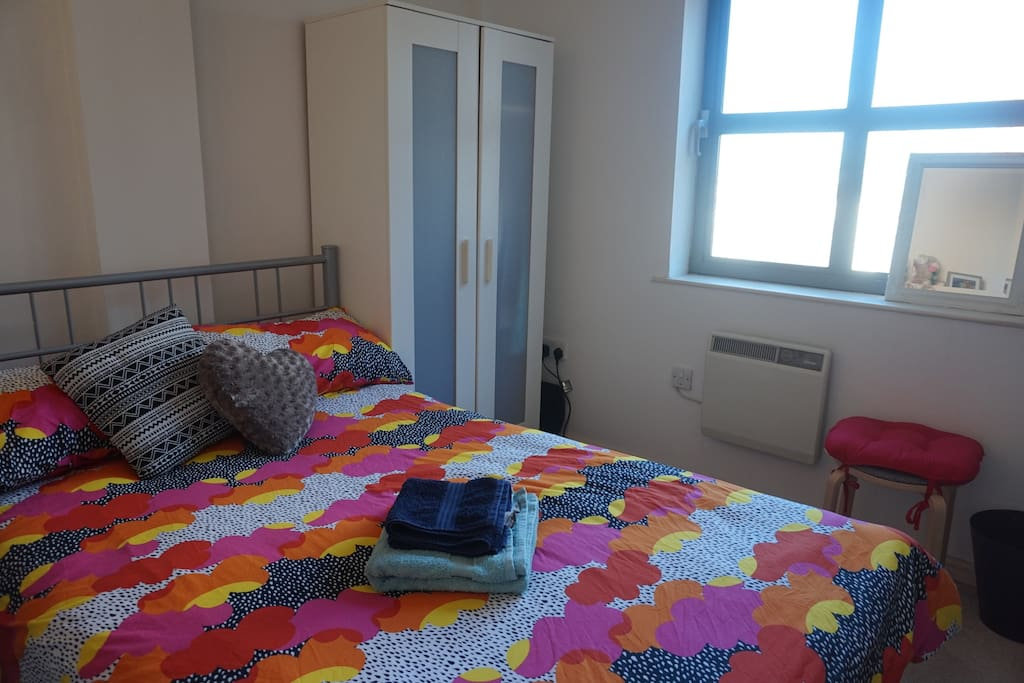 Double Bedroom with wardrobe and work desk