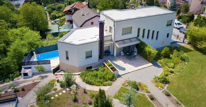 GREEN DREAM ZAGREB safe eco & child friendly oasis