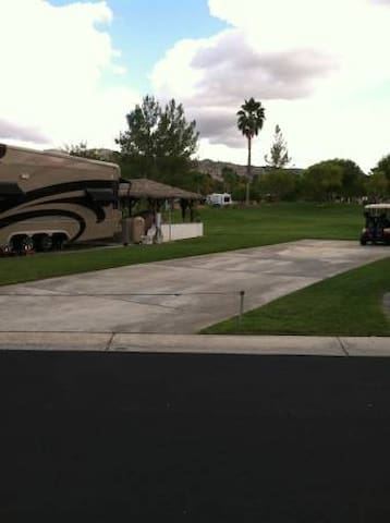 RV LOT at Rancho California Resort - Aguanga - Outro