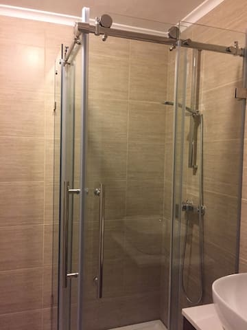 Stainless Steel shower in private bathroom Updated February 2017