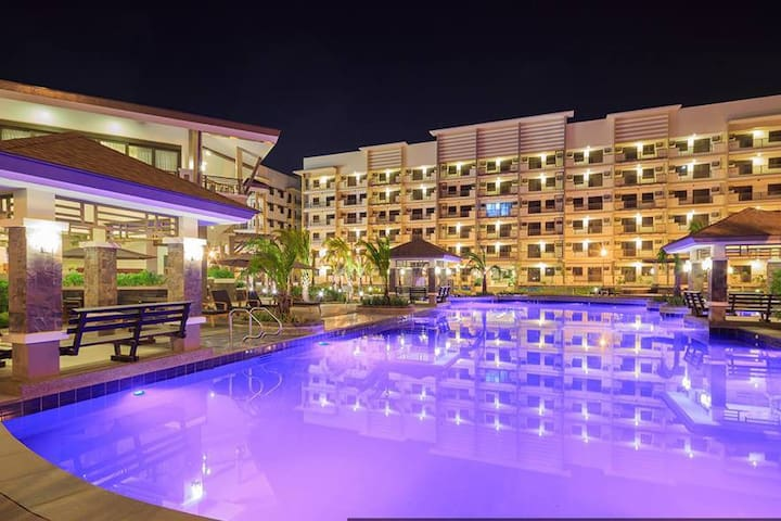 Fully furnished 2BR condo near airport