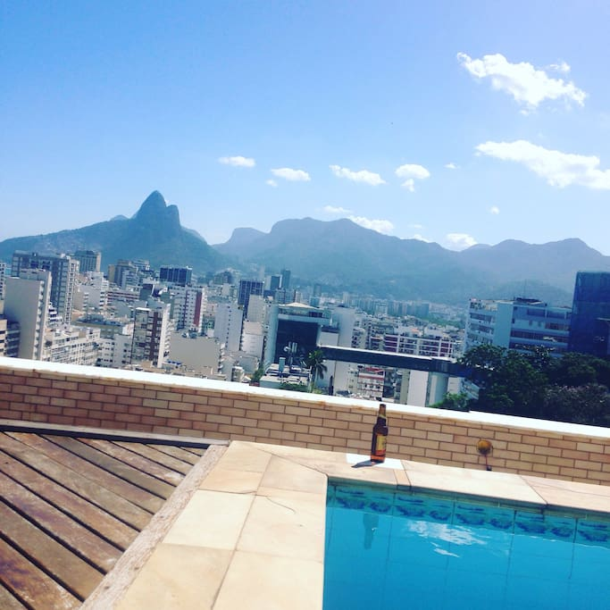 Piscina privativa com vista incrível!