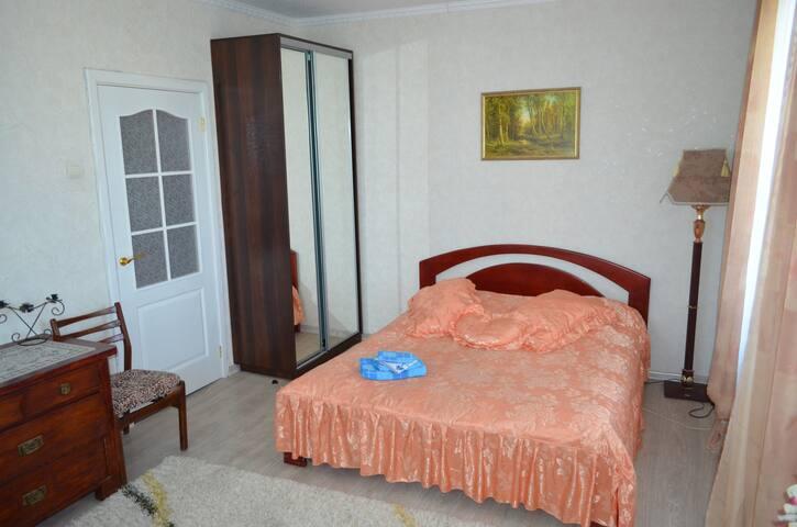 Тихая,уютная квартира на Оболоне - Kiev - Apartamento