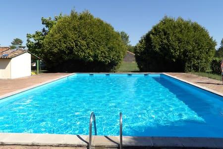 Duplex sympa dans résidence avec tennis / piscine
