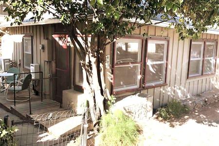 Historic Bisbee Cozy Cottage *EV Charging