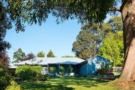 Peppermint Blue House - Trentham - Ev
