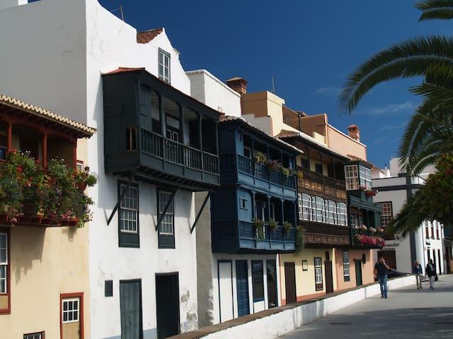Balcones Típicos Avenida Marítima