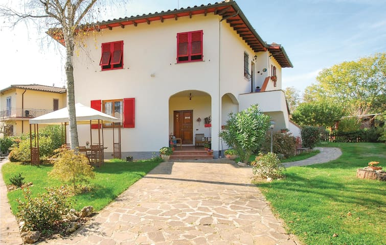 Holiday apartment with 2 bedrooms on 75m² in Vicchio -FI-