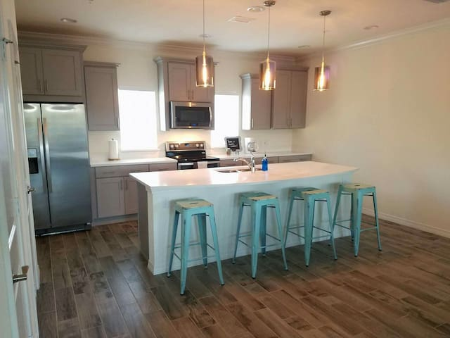 NEW 2br/2.5ba Townhome @ Beach Club - Pensacola - House