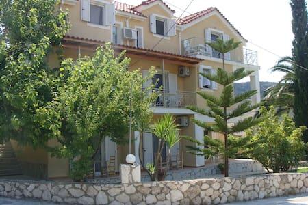 Villa Elichri - Sami - 公寓