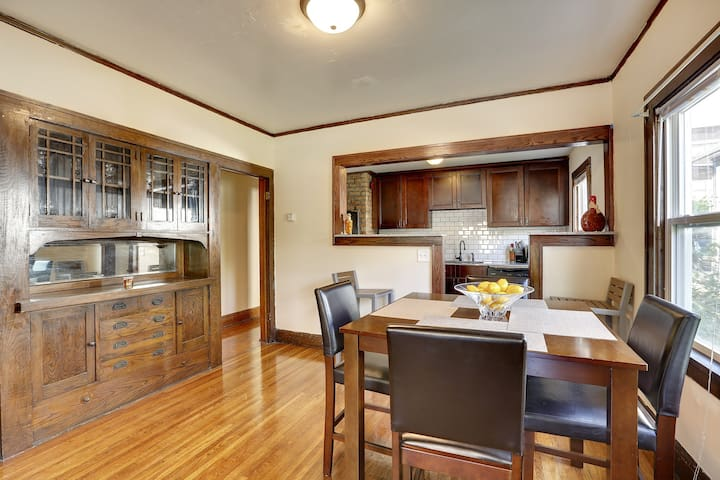 Old World Charm, Modern Amenities - Minneapolis - Appartement