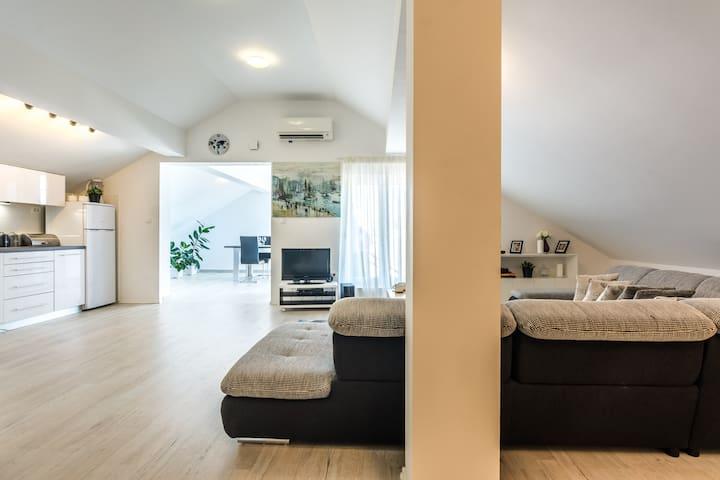 Apartment D&D