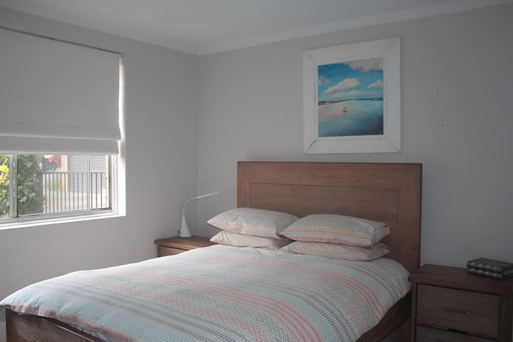 Bright and airy 2BR apartment - Freshwater - Apartamento
