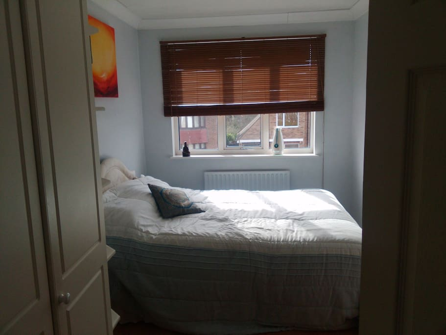 alternative double bedroom, also with access to guest only bathroom. can book either or both rooms. for Max 2 guest s