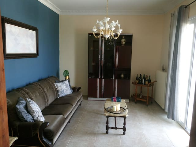 Νikol's house