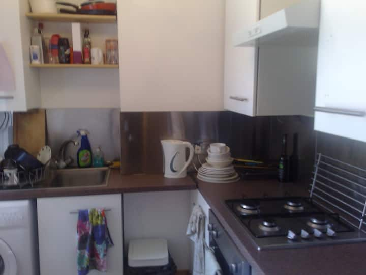 Double Room in Maida Vale (FEMALES ONLY)