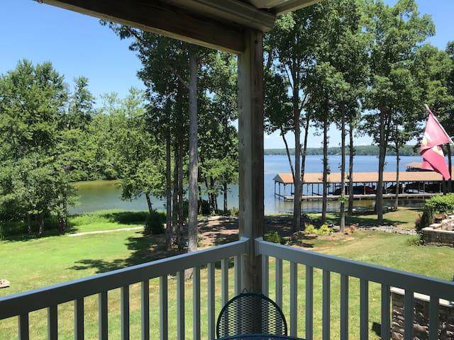 Lake Anna Waterfront Home @ Mid Lake
