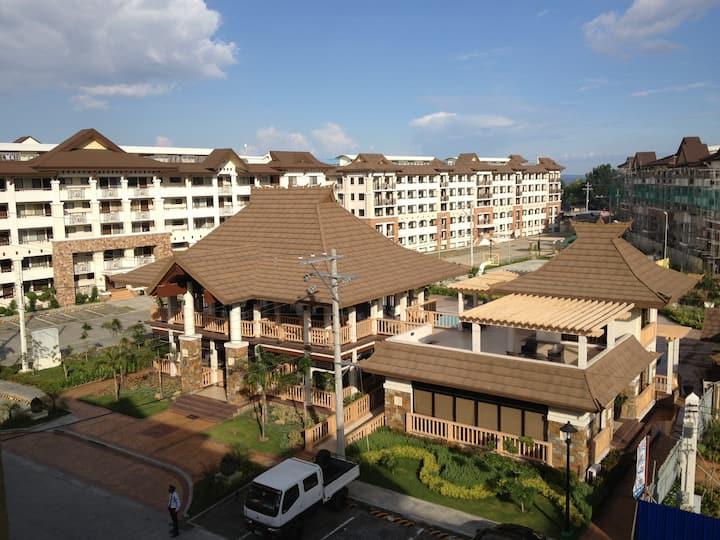 Condo Unit in a Resort Style Community, 2-mini BR