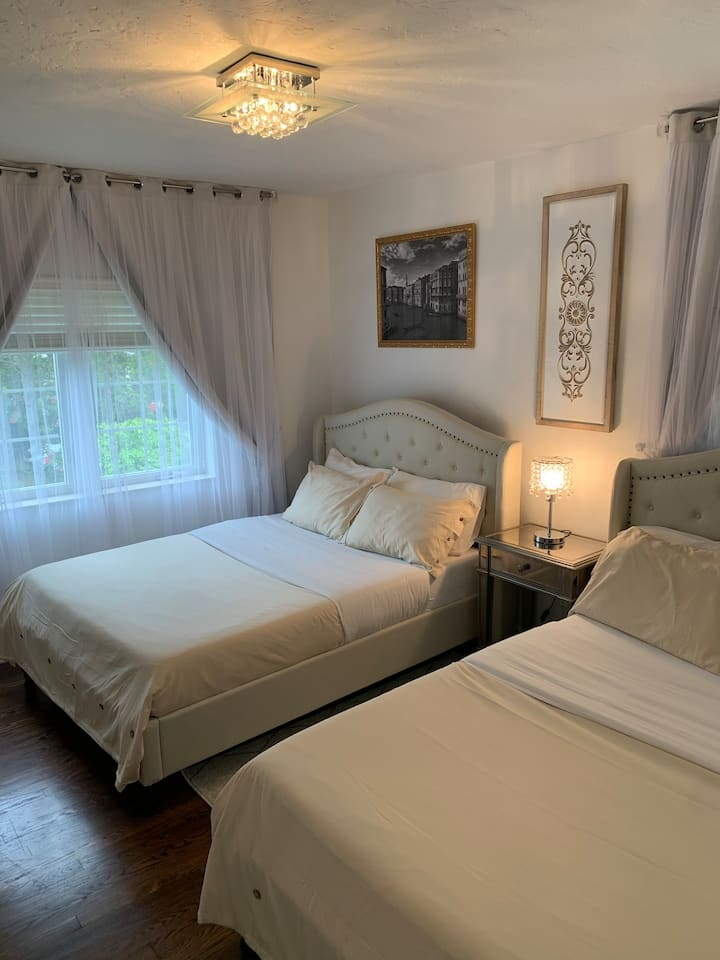Canal Grande room with 2 queen beds, shared bath