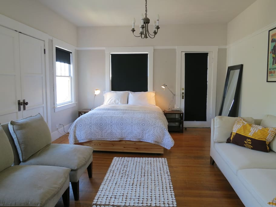 Bright Artistic Temescal Apartment Apartments For Rent