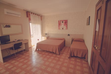 CASSIODORO ROOMS AFFITTACAMERE