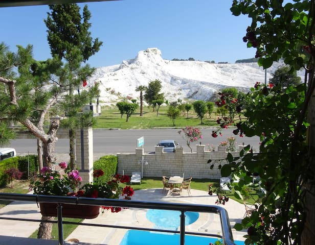 PRİVATE TRİPPLE ROOM VIEW POINT HOTELpokemoncenter - pamukkale - Aamiaismajoitus