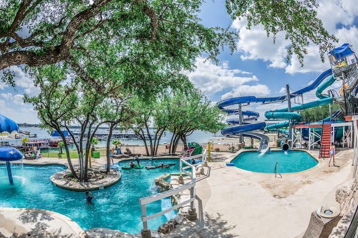 LakeTravis Bungalow 3:Free waterpark,low clean fee