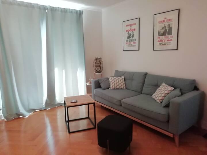 Appartement au calme, proche toutes commodités.